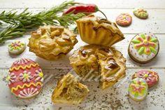 Пасхальные пирожки из заварного теста с индейкой и розмарином