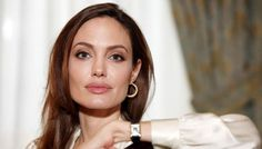 Tubuh Kurus Angelina Jolie Buat Brad Pitt Berpaling - http://www.rancahpost.co.id/20160758416/tubuh-kurus-angelina-jolie-buat-brad-pitt-berpaling/