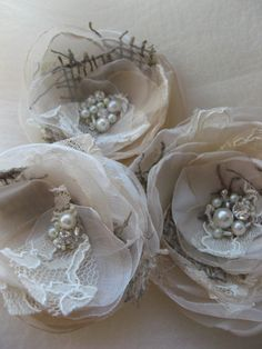 vintage burlap hair pieces -- love! :)