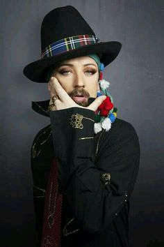 Punk Rock Fashion, Queer Fashion, Hip Hop Fashion, Tomboy Fashion, Tomboy Style, Urban Fashion, George Hats, Boy George, Tomboy Outfits