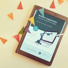 Jeej!! Bijna bijna is hij klaar: het website-stappenplan wat ik samen met @podiumbouwer maakte voor iedereen die staat te popelen om een te gekke website in de wereld te zetten. Om het vast te vieren hebben we deze week een voorverkoop aanbieding voor je klaar staan in de shop > https://www.creativesoulsolutions.nl/shop Ken jij iemand die ook een geweldige website verdient? Lief als je hem/haar tagt 🌼 #websitestappenplan #searchshowplaygrow #buildingbusiness #mycreativesoulsolution