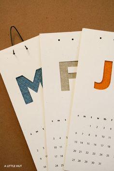 calendarios simples con letras para los meses y papel