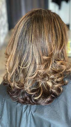 Medium Hair Styles, Short Hair Styles, Red Hair With Highlights, Color Highlights, Haircuts Straight Hair, Bow Ponytail, Natural Red Hair, Medium Layered Haircuts, Older Women Hairstyles