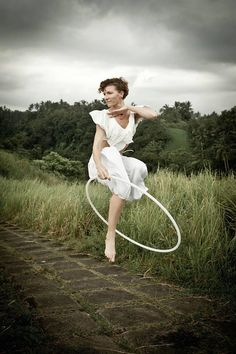 Anah Hoopalicious Reichenbach my forever hoop crush! Dance Photos, Dance Pictures, Hula Hooping, Flow Arts, Dance Movement, Modern Dance, Pictures Of People, Circle Of Life, Great Shots