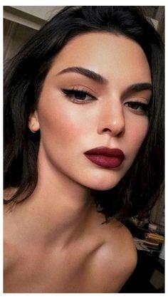 Red Lip Makeup, Cat Eye Makeup, Dark Makeup, Natural Eye Makeup, Natural Eyes, Eyeliner Makeup, Makeup Light, Natural Prom Makeup For Brown Eyes, Heavy Makeup