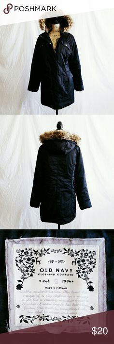 *SALE* Black Old Navy Winter Coat - Size S *Reasonable offers accepted!* Super warm black Old Navy winter coat with removable faux for trim hood. Zips & buttons in front. Excellent used condition. Size Small. Body: Machine wash cold gentle & tumble dry low. Hood: Machine wash cold gentle & lay flat to dry. Old Navy Jackets & Coats