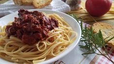 Red Chile Linguini - New Mexico Style - Bueno Foods#Bueno #Chile #Foods #Linguini #Mexico #Red #Style Italian Meat Sauce, Italian Meats, New Mexico Style, Ground Sirloin, Mexico Food, Mexican Food Recipes, Ethnic Recipes, Fusion Food, Food Test