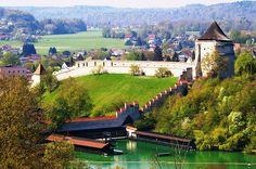 File:Castle and Wöhrsee Burghausen Bavaria.JPG