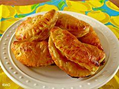 Caramel Pineapple Empanadas #Recipe from Kitchen Meets Girl - yum!