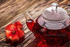 En boisson chaude ou froide,  la fleur d'hibiscus ou bissap est de couleur rouge pourpre et une fois séchée, se consomme de diverses manières (infusion, décoction, sauces..). La fleur d'hibiscus est très consommée en Afrique et on lui attribue de nombreuses vertus, riche en vitamine C et oligo-éléments, anti-oxydante, diurétique, énergétique, elle aide à lutter contre l'hypertension...