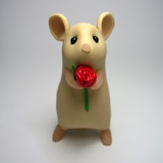 Sweet little polymer clay mouse (could make chinchilla), who could resist those eyes! From @Folksy seller Quernus Crafts