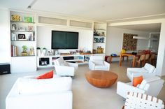 How about Hiding your Airconditioner above the TV like this? - Odara Arquitetura Design