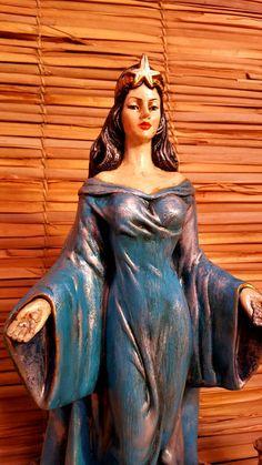 Linda Imagem de Iemanjá, a rainha do mar! Peça de gesso com pintura em estilo barroco! Rica em detalhes! 45cm