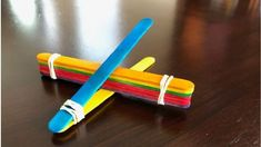 Have fun launching balls in the air and see how far you can fling them with this popsicle stick catapult! Using materials you already have at home, you can bulid this catapult with your kids and have hours of fun! Catapult For Kids, Popsicle Stick Catapult, Popsicle Sticks, Fun Activities For Kids, Science For Kids, Stem Activities, Easy Paper Crafts, Craft Stick Crafts, Craft Sticks
