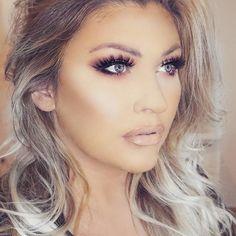 Foundation @toofaced Eyeshadow @nyxcosmetics_hrvatska @nyxcosmetics Eyelashes @lillylashes @lillyghalichi Mykonos Blush @illamasqua Contour @opvlashes Lips @doseofcolors Coy #shophudabeauty #wakeupandmakeup #fashionclimaxx2 #makeup #makegirlz #vegas_nay #hudabeauty #brian_champagne #makegirlz #maquiagem #anastasiabeverlyhills #anastasiabrows #lillyghalichi #ghalichiglam #glamrezy #unitedmuabalkania #liveglam #abhfoundation #livingwithgratitude #kyliecosmetics #fiercesociety #katvond #katv...