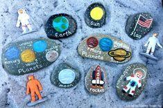 Spaces Themes Activities for Kids. Moon Activities for Kids. Moon Activities, Space Activities, Outdoor Activities For Kids, Science Activities, Mercury Planet, Kindergarten Science, Preschool, Baby Sensory, Sensory Play