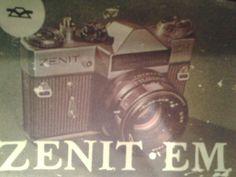 Manual de instrucciones de una cámara. De portada una ilustración