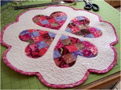 Art Threads: Wednesday Sewing - Quilted Valentine's Day Table Mat