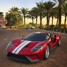 2017 Ford GT with captured by This car looks so badass. Exotic Sports Cars, Exotic Cars, Us Cars, Sport Cars, Ford Motor Company, Ford Classic Cars, Car Ford, Koenigsegg, Amazing Cars
