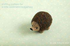 Ravelry: Little oddment hedgehog pattern by little cotton rabbits, Julie Williams Knitting Yarn, Knitting Patterns, Crochet Patterns, Gato Crochet, Knit Crochet, Little Cotton Rabbits, Thick Yarn, Knitted Animals, Yarn Crafts