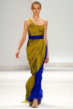 olive green and cobalt blue dress - love this colour combination. Chartreuse Dress, Cobalt Blue Dress, Skirt Outfits, Dress Skirt, Dress Up, Olive Green Dresses, Blue Dresses, Formal Dresses, Beautiful Gowns