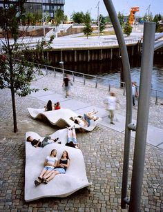 Hafencity Public Space  Intern Architect by Hollis + Miller Architects - http://buff.ly/1kD5iPM  Submit a project - http://buff.ly/1kD5lLh