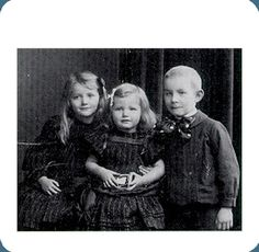 Young Erich Maria Remarque and sisters