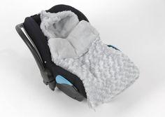 Nid d'ange Amadeus pour un bébé bien au chaud cet hiver ;-) - Pratique avec ces ouvertures pour l'intégrer dans le cosy - Facile à laver - Chaud avec son pilou pilou et sa doublure en polaire - Pas cher : 30 euros