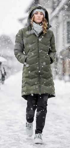 Photics HS Thermo Coat Women. A laser-fused, waterproof down jacket that keeps you warm and dry. This technical jacket has plenty of lifestyle appeal. Outdoor Brands, Coats For Women, Winter Jackets, Warm, Lifestyle, Creative, Fashion, Woods, Girls