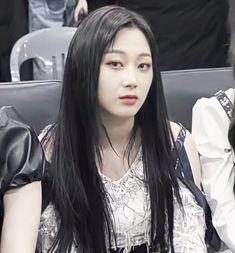 South Korean Girls, Korean Girl Groups, Twitter Header Aesthetic, I Have A Crush, Cosmic Girls, She Was Beautiful, Hey Girl, Kpop Aesthetic, Girls Generation