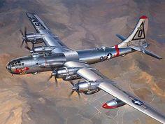 1948 Boeing B-50 bombardero estratégico - Una versión mejorada de la 2 ª Guerra Mundial B-29 'Superfortaleza'. Sólo 371 fueron construidos .: