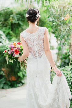 Delicate Lace Back Wedding Dress