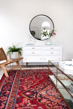 Style your living room with one of our Persian rugs to create a trendy decor in your space! Living Room Carpet, Living Room Modern, Rugs In Living Room, Home And Living, Living Room Designs, Living Room Decor, Living Spaces, Inexpensive Home Decor, Cheap Home Decor
