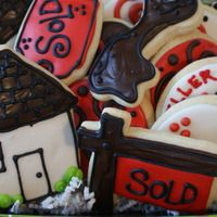 Real Estate gift idea....I have been known to make house cookies for open houses, but only if the time makes itself available....lol
