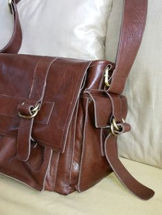 BAGERA leather utility bag