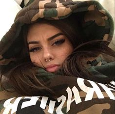 THRASHER flame men and women long sleeve sets loose fleece hoodies Camouflage from Saved to Clothes I must have. Beauty Makeup, Hair Makeup, Hair Beauty, Gina Lorena, Pretty People, Beautiful People, Selfies, Youtuber, Tumblr Girls