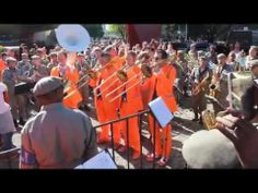 ▶ Dutch band FACTOR 12 and Brazilian Military Police Band playing together Aquarela do Brasil - YouTube