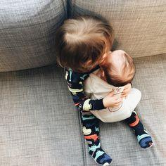 See this Instagram photo by @mama_endo • 2,536 likes Chez Séraphine on craque pour ces bouilles de bébé ! Venez découvrir nos collections vêtements grossesse et bébé tendance : http://www.seraphine.fr