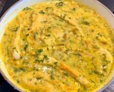 Kurczak w kremowym sosie z cukinią i marchewką - Blog z apetytem Cheeseburger Chowder, Curry, Soup, Ethnic Recipes, Blog, Kalay, Curries, Soups