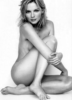 Kim Cattrall is such a bombshell.