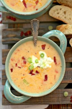 Crockpot Potato Soup is an easy way to make Healthy Potato Soup for winter meals. This Loaded Potato Soup recipe is one of our favorites! Healthy Potato Soup, Loaded Potato Soup, Healthy Potatoes, Healthy Crockpot Recipes, Slow Cooker Recipes, Cooking Recipes, Healthy Dinners, Freezer Recipes, Ww Recipes