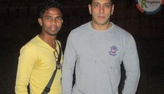 Salman - Kareena Spotted with Fans on Bajrangi Bhaijaan Sets | Salman Kingdom