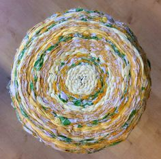 Sittdyna vävd med hula-hula ring yellow Reuse, Recycling, Ring, Yellow, Crafts, Inspiration, Ideas, Home Decor, Biblical Inspiration