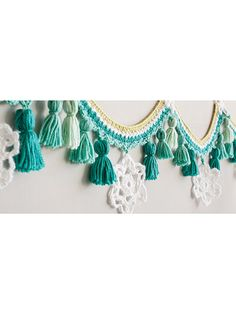 Tassels & Snowflakes Winter Garland Crochet Pattern from Annie& Craft Store. Tassels & Snowflakes Winter Garland Crochet Pattern from Annie's Craft Store. Crochet Garland, Crochet Decoration, Crochet Home Decor, Diy Crochet, Crochet Crafts, Yarn Crafts, Crochet Hooks, Crochet Baby, Crochet Projects