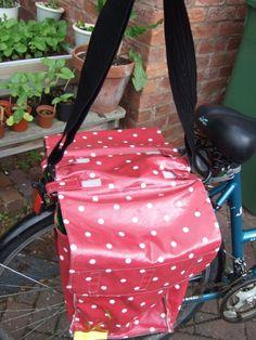 Sewing: DIY Bike Panniers | Upcraft.it