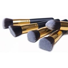 This 10 Piece Makeup set is made of natural goat hair providing superb hold, plus it's soft and pleasing to your skin! #SummerSizzle #SaleThisWeek #Sale #Promo #Save
