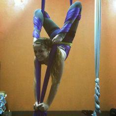 Flexy backbend on the aerial silks