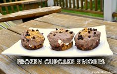 Memorial Day Cookout Menu: Frozen Cupcake Smores {from 2 Sisters 2 Cities} #memorialday
