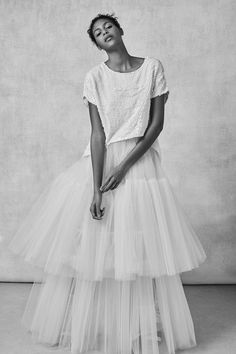 See the complete Sachin & Babi Bridal Fall 2018 collection.