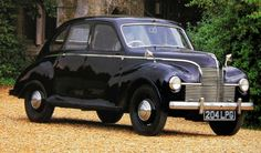 1947 Jowett Javelin.The Javelin was fitted with a 1.5L flat-four, developing 50hp which pushed the car to a top speed of 80 miles per hour, and gave 0-60 in 22 seconds. The top speed was achieved in great part because of the car's design: it was aerodynamic (relatively speaking), light and had a high-gear four-speed manual transmission. Early engine reliability problems, though solved quickly, caused the firm's closure.